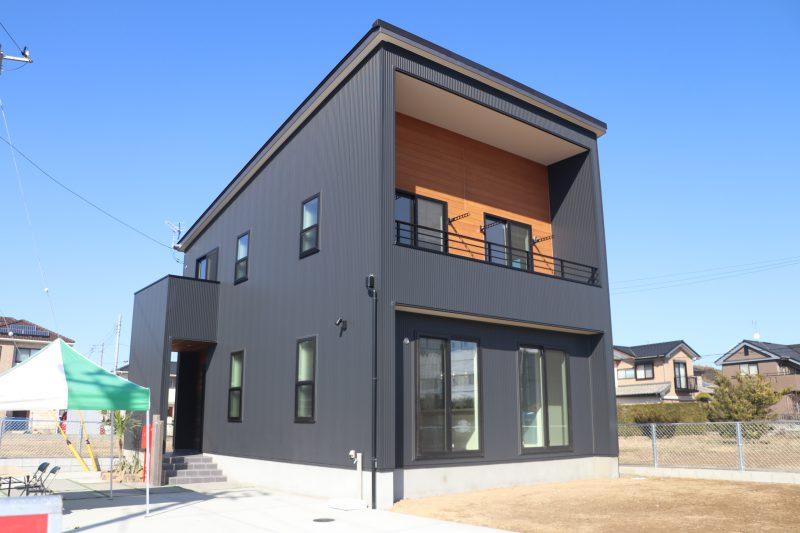 シンプルモダン×自然素材|高品質の断熱で快適に暮らすデザイン住宅